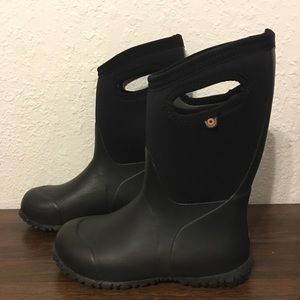 Bogs Kids black Snow/Rain boots sz 2